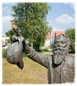 Johannes Brahms zeigt den Weg
